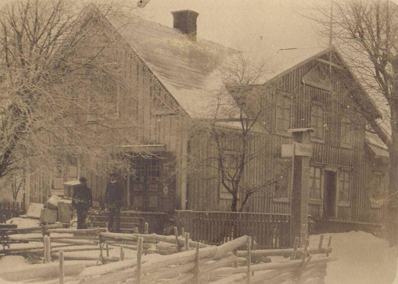 0012-1900